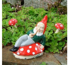Garden gnome Fred by Pixieland