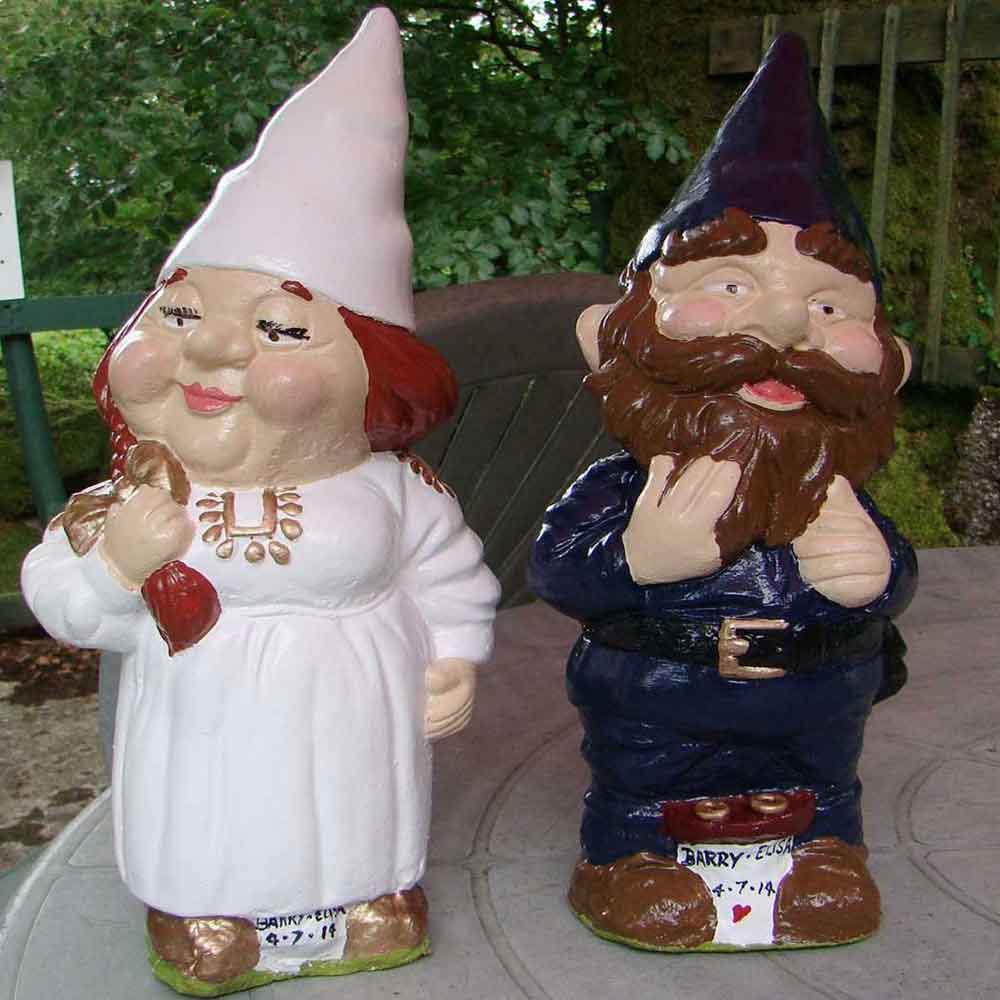 Red haired bride gnome